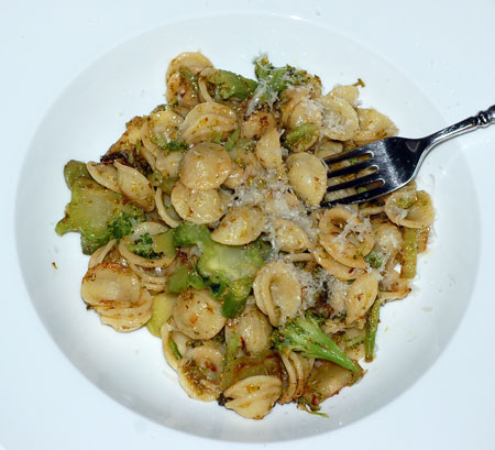 Orecchiette with broccoli and anchovy