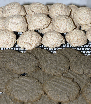 Amaretti and buckwheat cookies