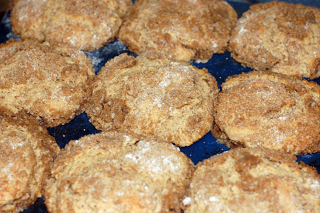 Allspice Crumb Muffins